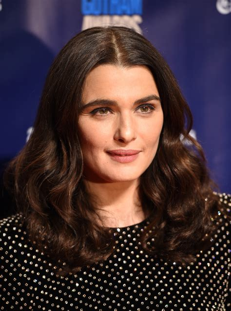 rachel weisz medium curls hair lookbook stylebistro