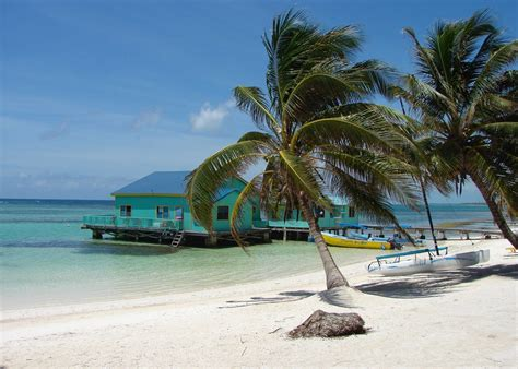 Visit The Cayes On A Trip To Belize