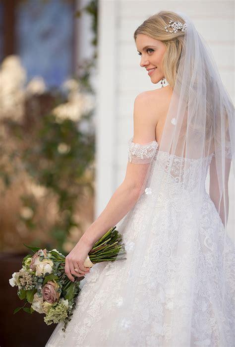 A Classic Love: Martina Liana s Fall 2018 Wedding Dress