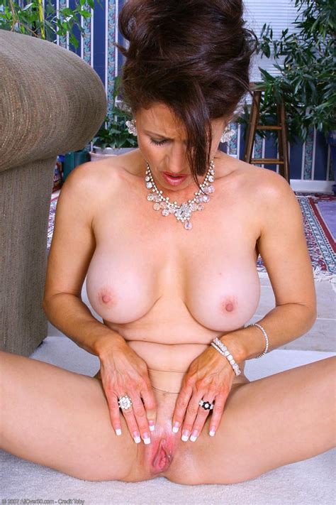 Classy Cougar Madison Exposed Free Cougar Sex