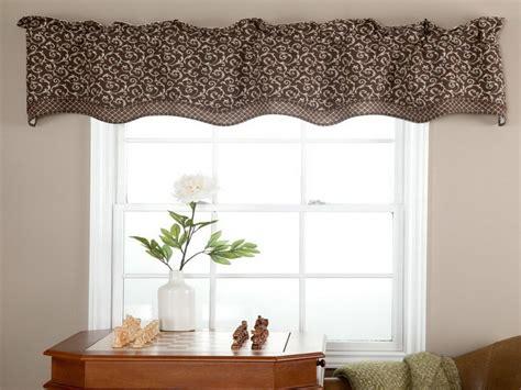 Simple Treatment Window Valance Ideas