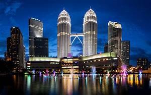 Petronas Towers Malaysia Skyline 4k Wallpaper