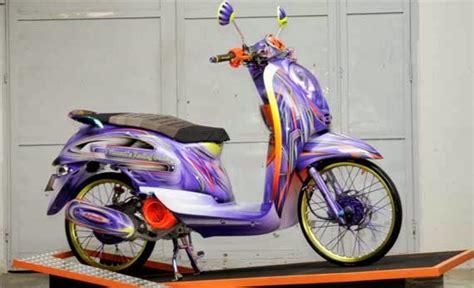 Motor Scoopy Ungu modifikasi honda scoopy airbrush ungu modifikasi honda