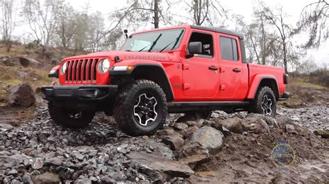 video reviews   jeep gladiator tested  rated jeep gladiator jeep jeep truck