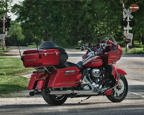 Review Harley Davidson Road Glide Ultra by 2012 Harley Davidson Fltrx Road Glide Ultra Review
