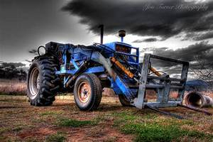 Ford Tractor – Jon Turner Photography