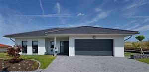 Bungalow Mit Garage Bauen : bungalow garage unter einem dach h pinterest ~ Lizthompson.info Haus und Dekorationen