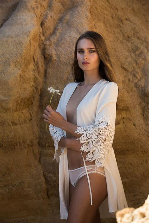 beachside bridal boudoir inspiration