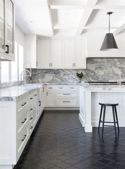 Kitchen Floor Ideas With Black Cabinets by 25 Best Ideas About Tile Floor Kitchen On