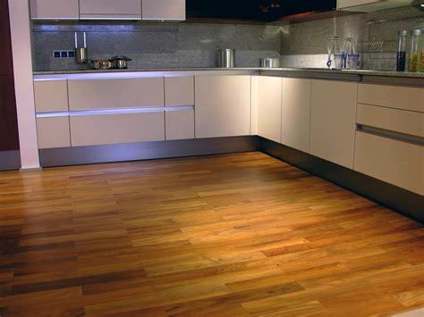 Pavimenti In Legno Per Cucina by Pavimenti In Legno Per Cucina Idee Di Design Decorativo
