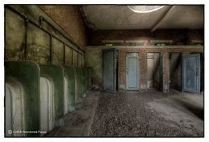 sized green 31 – Lost & Abandoned Places