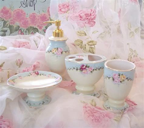 Shabby Chic Badezimmer Accessoires shabby chic bathroom accessories interior ideas