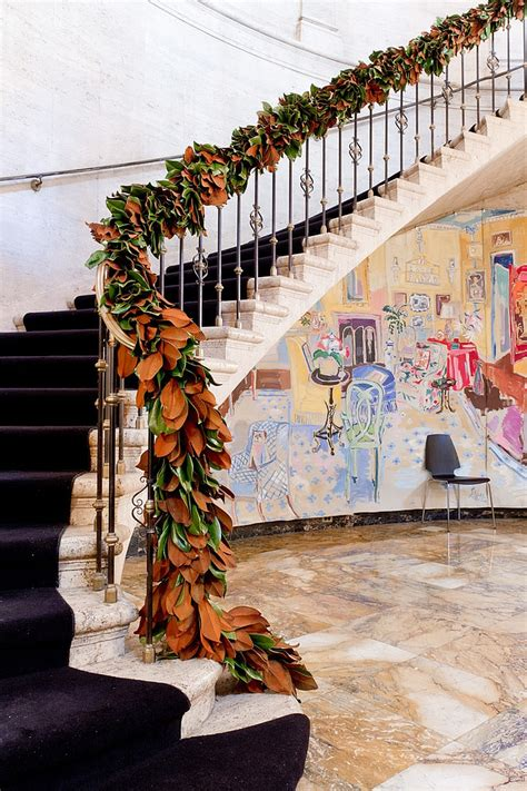 garland staircase decorating 23 gorgeous christmas staircase decorating ideas