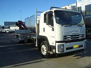 2018 Isuzu Fvr 165    300 9 Sp Manual 2d Tray Truck With