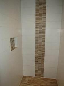 Kann Man Fliesen überstreichen : ablage in der dusche und bord re aus mosaik in holzoptik fliesen bad pinterest holzoptik ~ Markanthonyermac.com Haus und Dekorationen