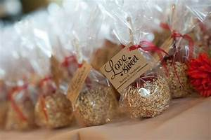 caramel apple wedding favors daffy farms blog With caramel apples wedding favors
