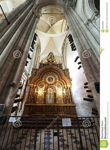 Seat Beauvais : chatedrale st pierre of beauvais interior 05 stock photo image 42253804 ~ Gottalentnigeria.com Avis de Voitures