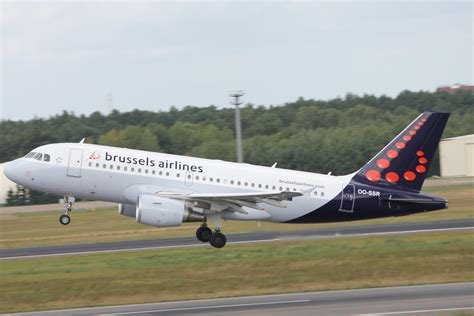 bureau airlines bruxelles brussels airlines is going the smile again grab