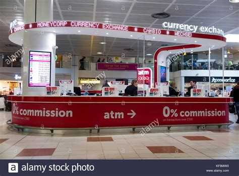 bureau de change comparison uk gatwick airport terminal stock photos