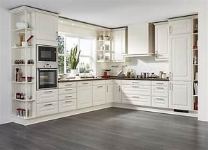 Landhausküche U Form : l form landhausk che in cremewei mit holzarbeitsplatte ~ Bigdaddyawards.com Haus und Dekorationen
