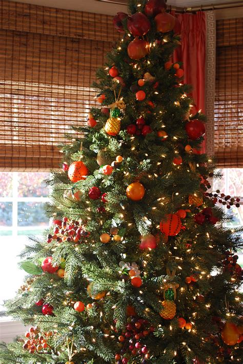 williamsburg fruit tree christmas tree decorating ideas