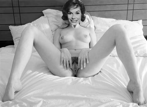 22+ Mary Tyler Moore Naked  Pics