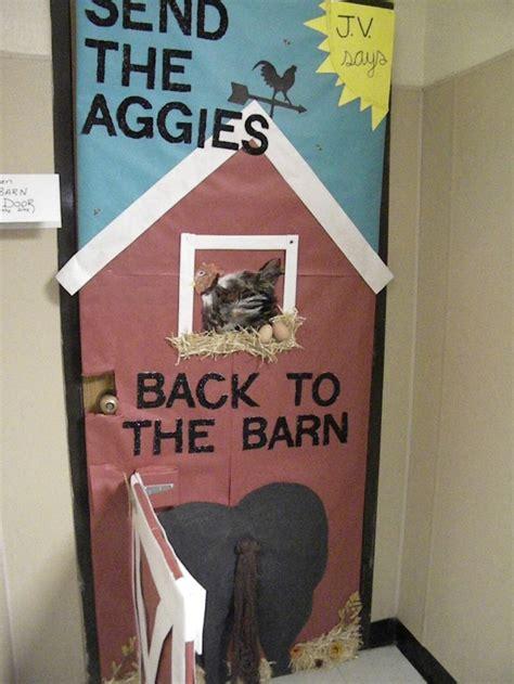 christian door decor homecoming door decorating contest