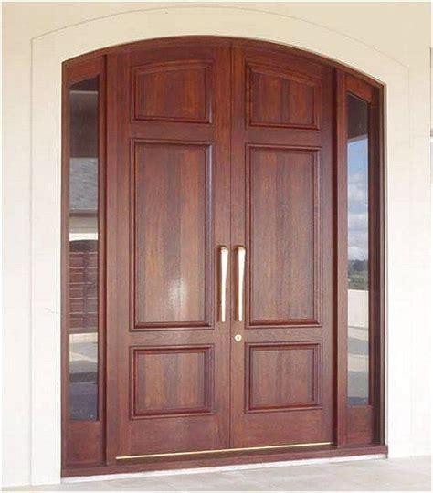 gambar rumah minimalis pintu