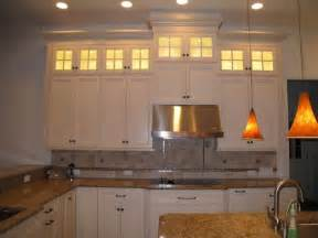 Soffit Above Cabinets by 10 Foot Kitchen Cabinets The Middle Cab Was Missing The