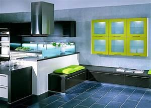 Küche L Form Hochglanz : l form k che mit sitzb nken und h ngeschr nken in hochglanz wei grau schwarz und gelb ~ Bigdaddyawards.com Haus und Dekorationen