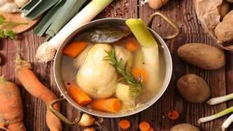 recette poule au pot farcie henri 4 gastronomie