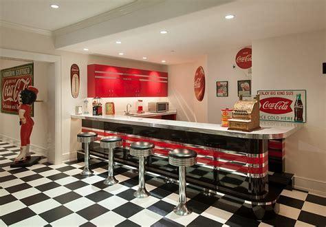 Coca Cola Decor: Vintage Posters, Coke Machines And DIY Ideas