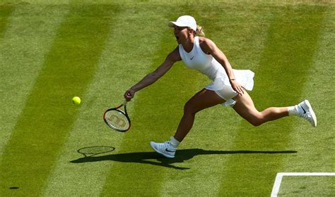 Wimbledon 2018 Saturday results: No. 1 Simona Halep upset by 48th-ranked Hsieh Su-wei - CBSSports.com