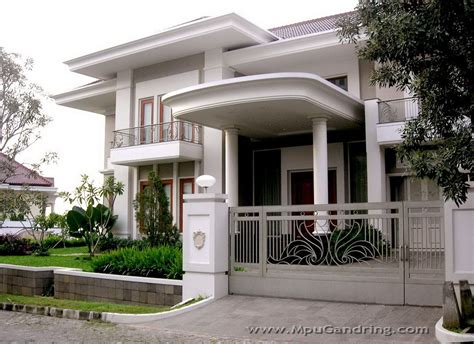 high  community exclusive living home design