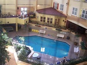 chambre reguliere avec grande fenetre picture of hotel With hotel a quebec avec piscine interieure 0 piscine interieure picture of hotel chateau laurier