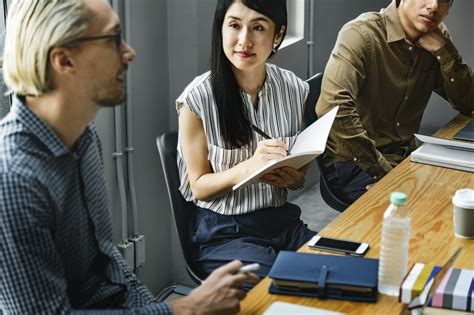 effective listening   motivate employees