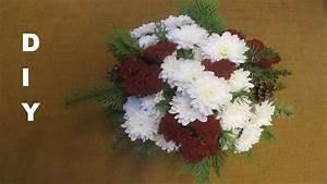 Fenstersprossen Selber Machen : tannenstrau mit chrysanthemen f r allerheiligen deko ~ Watch28wear.com Haus und Dekorationen