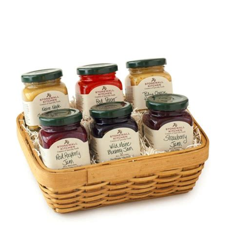 kitchen basket ideas 1000 ideas about kitchen gift baskets on gift