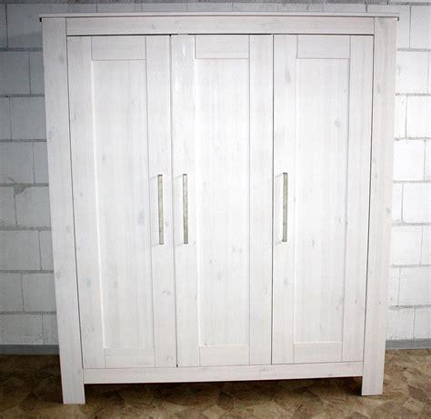 kinderzimmer kleiderschrank massivholz kleiderschrank für kinderzimmer weiß gewachst 3türig kiefer massiv