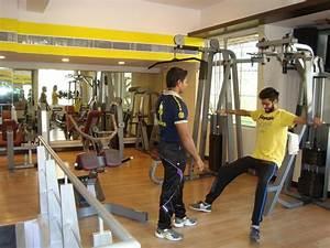 Gold Gym Kandivali East, Mumbai - Membership Fees, Reviews ...