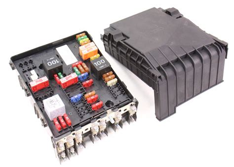 How To Open Audi Fuse Box by Engine Bay Fuse Relay Box 06 08 Vw Passat B6 2 0t
