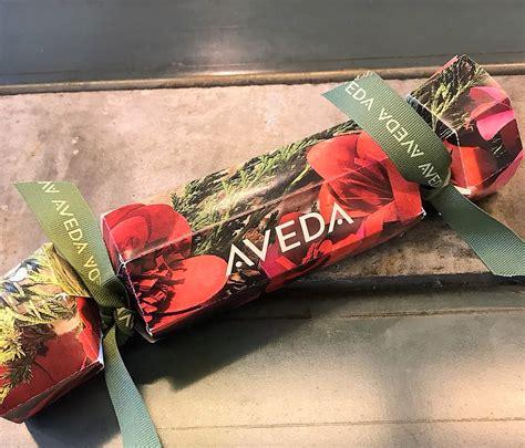 aveda christmas crackers 2017 festive hair treats