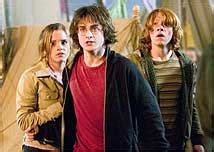 """3:28 matheus vieira 119 728 просмотров. """"Harry Potter e o Cálice de Fogo"""" é o filme mais assustador da série - 16/11/2005 - Harry Potter ..."""