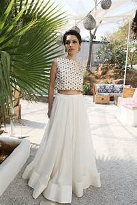 20 Styles to Wear Crop Tops and Skirts for Summer - Pretty Designs