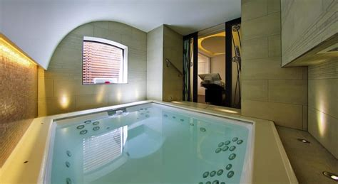 lodging with tub the best hotels with tubs and itsallbee