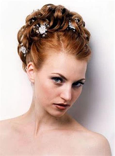 coiffure mariage cheveux courts frisés coiffure mariage cheveux boucl 233 s fris 233 s et afro