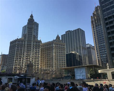Chicago Architecture Institute Boat Tour by 27 Things To Do In Chicago The Ultimate List For