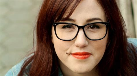 hairstyles  overweight women  wear glasses latest