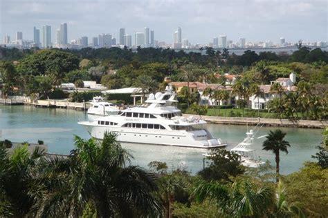 Boat Cushions Miami by Miami Boat Show Boats Outdoor Patio Cozydays