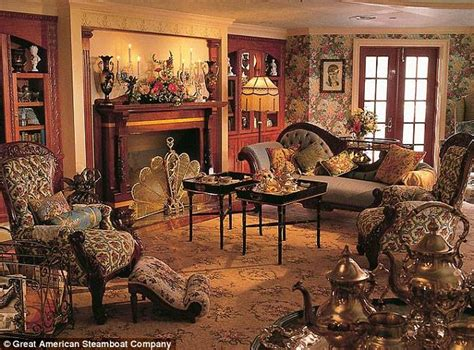antebellum home interiors world 39 s largest steamboat is 39 rollin 39 on the mississippi